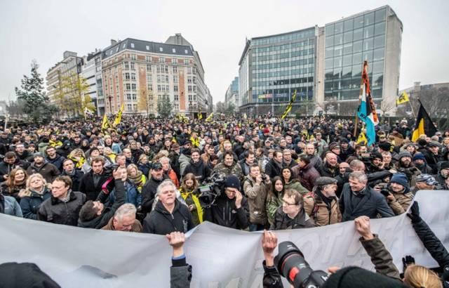 Belgique : Manifestation à Bruxelles contre le Pacte mondial sur les migrations