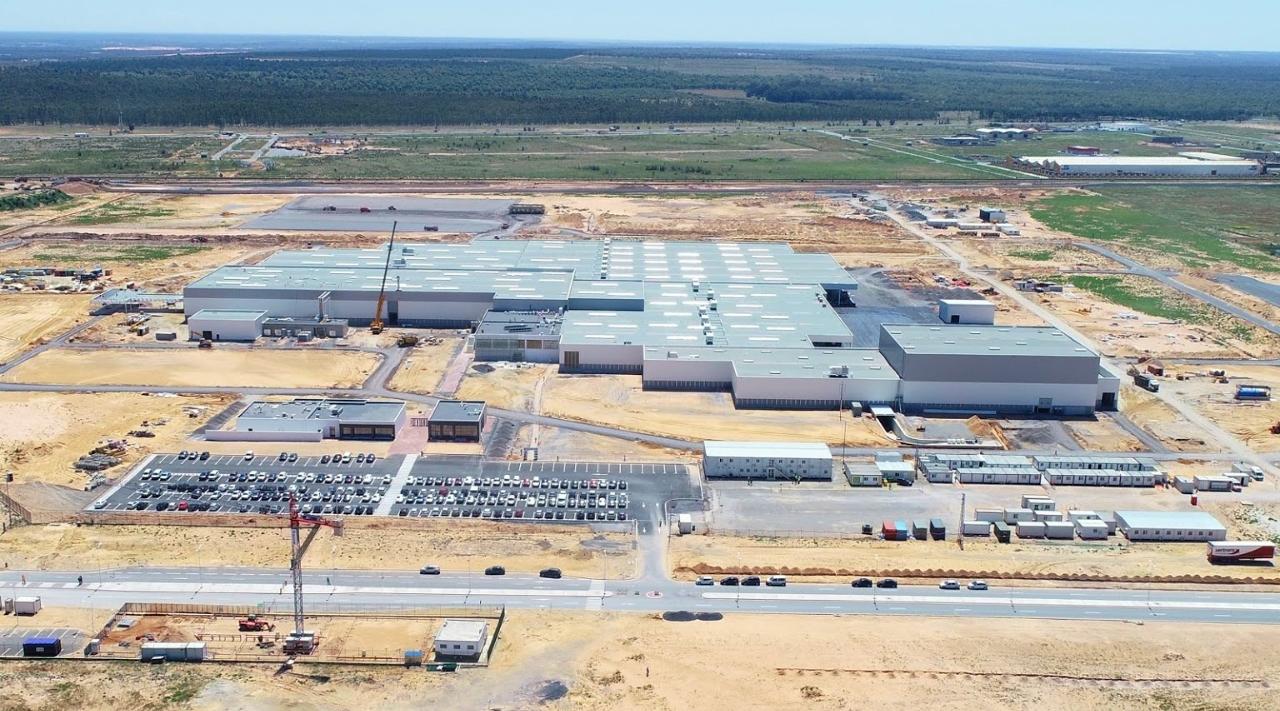 Maroc: Le Roi lance la production de 100.000 véhicules dans l'usine PSA de Kenitra