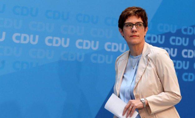 Annegret Kramp-Karrenbauer nommée ministre allemande de la Défense