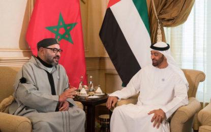 Le Roi Mohammed VI et Cheikh Mohammed Ben Zayed s'entretiennent de la situation dans la région