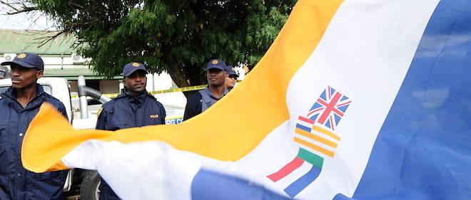 La justice sud-africaine bannit le drapeau de l'époque de l'apartheid