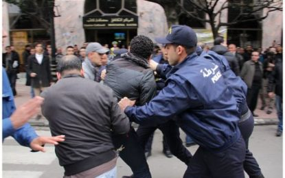 HRW dénonce les restrictions de libertés de réunion et d'expression en Algérie