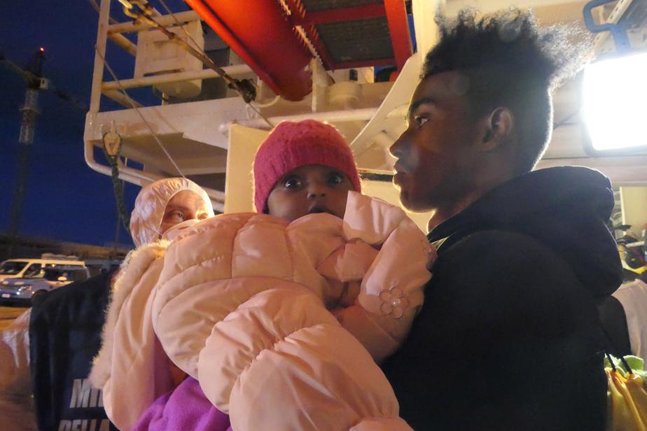 Près de 160 clandestins sauvés en Méditerranée débarquent en Italie