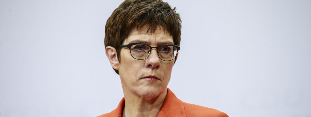 Allemagne : La dauphine désignée de la chancelière abandonne
