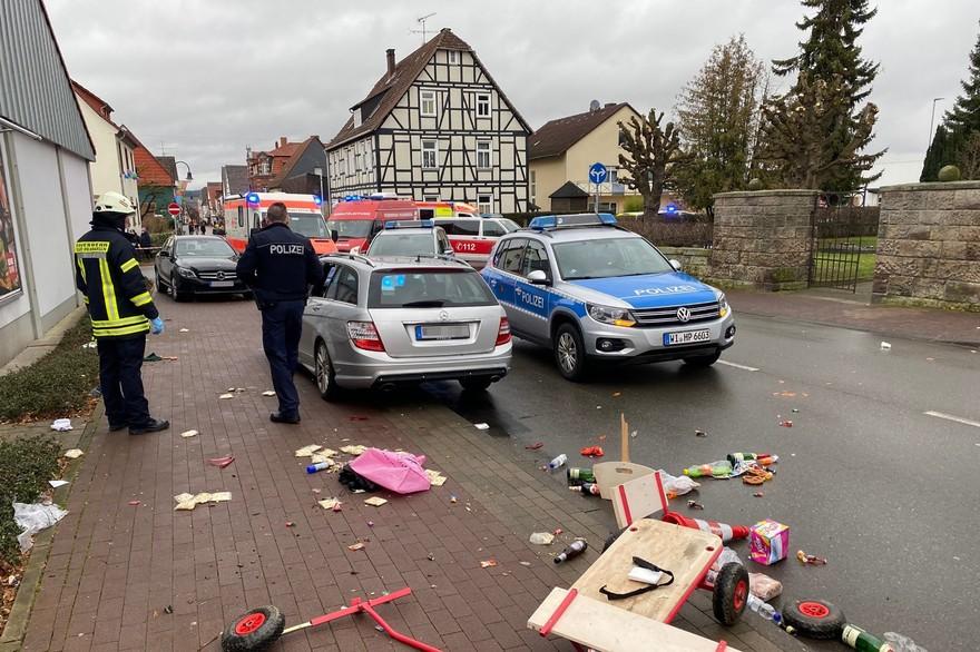 Allemagne : Un véhicule fonce dans un défilé de carnaval à Volkmarsen, faisant plusieurs blessés