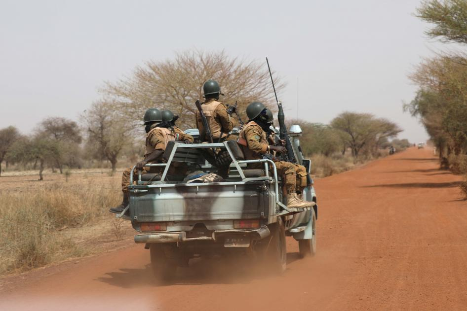 Burkina Faso : Les forces de sécurité accusées par Human Rights Watch du massacre de 31 civils