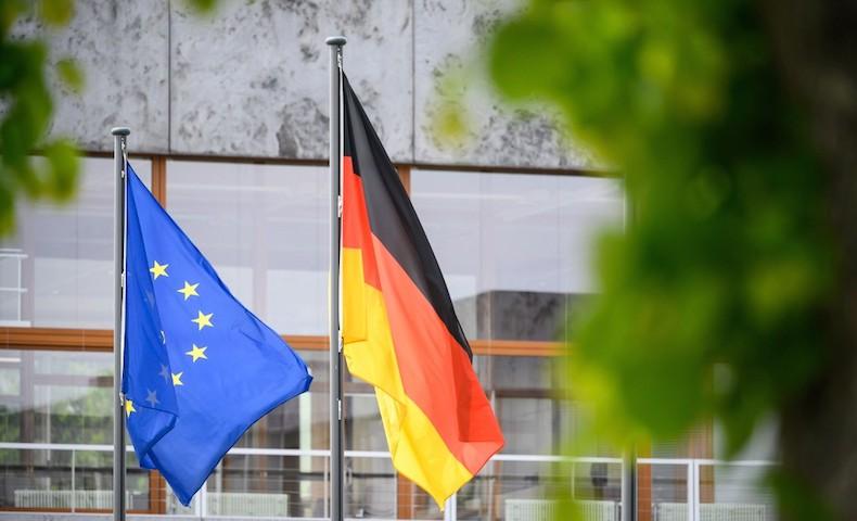 La plus haute instance judiciaire d'Allemagne remet en cause l'appui financier européen