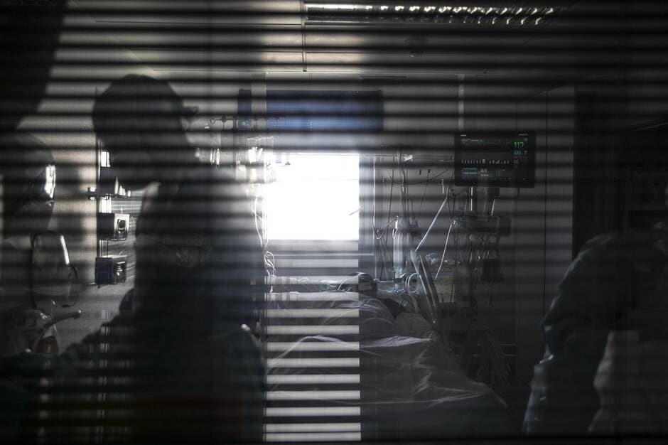 Le décès d'une médecin enceinte des suites de Covid-19 soulève un tollé en Algérie