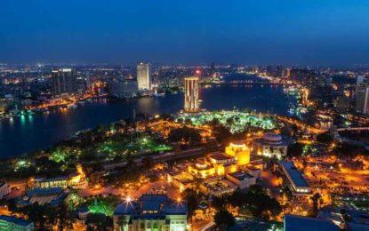 Le président égyptien inaugure des aéroports pour relancer le secteur touristique