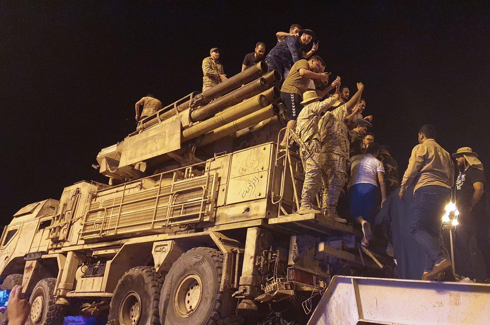 Libye : Le GNA condamne des frappes aériennes contre la base d'Al-Watiya