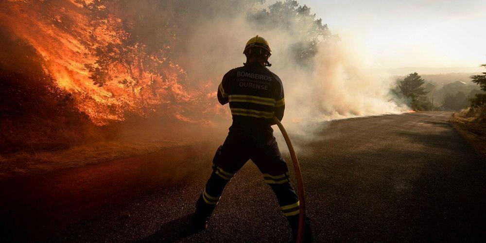Espagne : Dix mille hectares ravagés par un incendie au sud-ouest et près de 3.200 personnes évacuées
