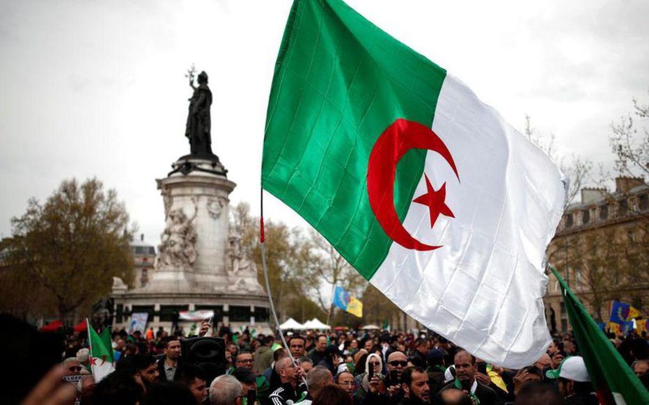 Marche du « Hirak » à Paris contre le pouvoir en Algérie