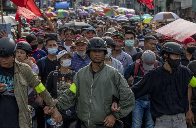 Thaïlande : le pouvoir adopte une ligne dure face à la contestation des pro-démocrates