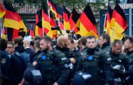Le gouvernement allemand veut mettre en lumière les réseaux d'extrême droite au sein de la police