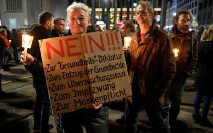 Covid-19 : Des responsables allemands condamnent les violences lors d'une manifestation des « anti-masques » à Leipzig