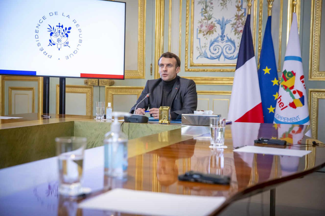 La France maintient pour l'instant la force Barkhane au Sahel