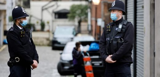 Covid-19 : Le Royaume-Uni rabaisse son niveau d'alerte
