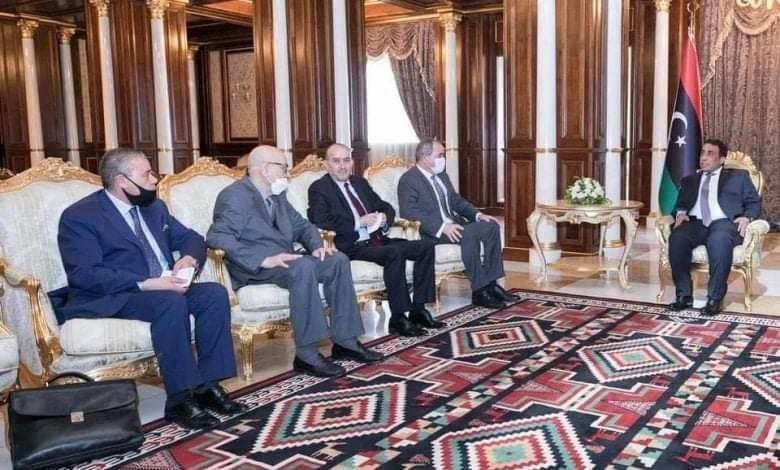 Deux ministres algériens en visite à Tripoli