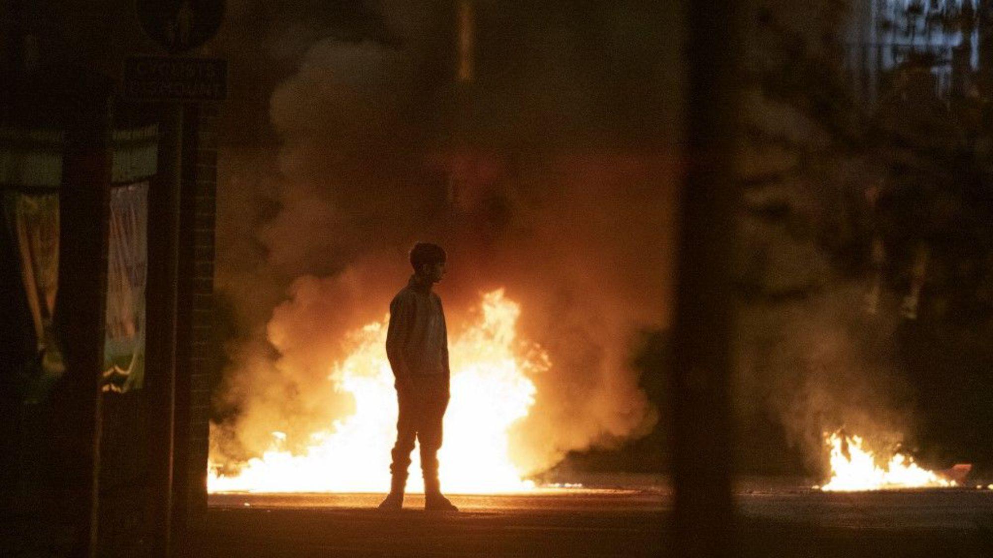 Royaume-Uni : flambée de violences en Irlande du Nord