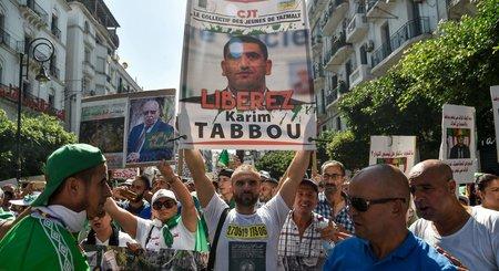 L'opposant algérien Karim Tabou placé en garde à vue