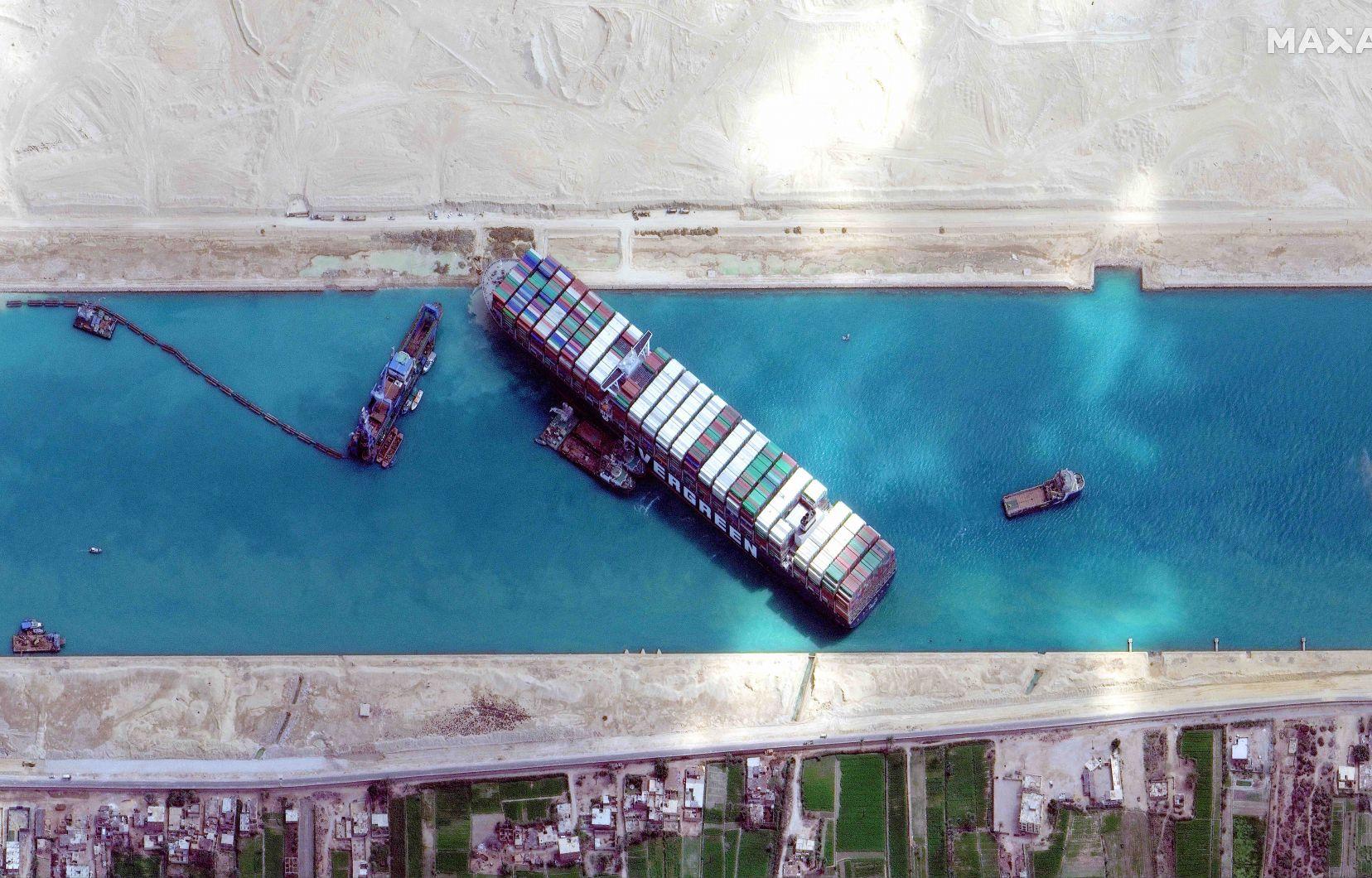 Blocage du canal de Suez : L'Egypte veut 900 millions de dollars de dédommagement