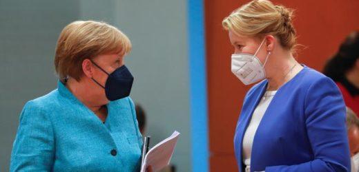Soupçonnée de plagiat, la ministre allemande de la Famille démissionne