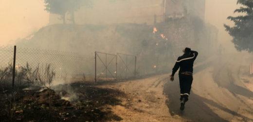 Le bilan des incendies toujours en cours en Algérie se chiffre à 69 morts