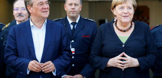 Allemagne : Merkel prend la défense de Laschet, en difficulté dans les enquêtes d'opinion