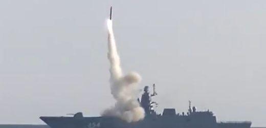 La Russie annonce le tir réussi d'un missile hypersonique depuis un sous-marin
